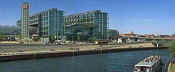 Spree am Hauptbahnhof Berlin