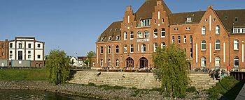 Feuerwache Holzhafen Bremen
