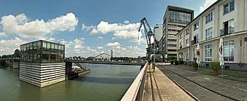 Am Handelshafen Düsseldorf