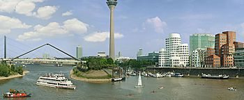 Hafeneinfahrt Medienhafen Düsseldorf