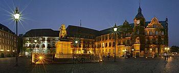 Marktplatz abends Düsseldorf