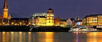 Rheinufer am Abend Düsseldorf