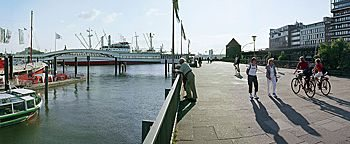Hafenpromenade  Hamburg