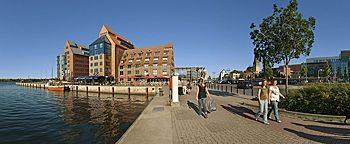 Hafenpromenade Stadthafen Rostock