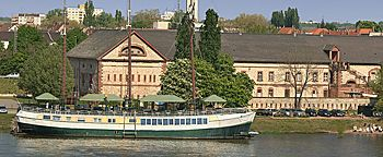 Rheinufer Wiesbaden Mainz-Kastel