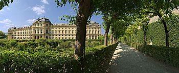 Hofgarten-Allee Würzburg